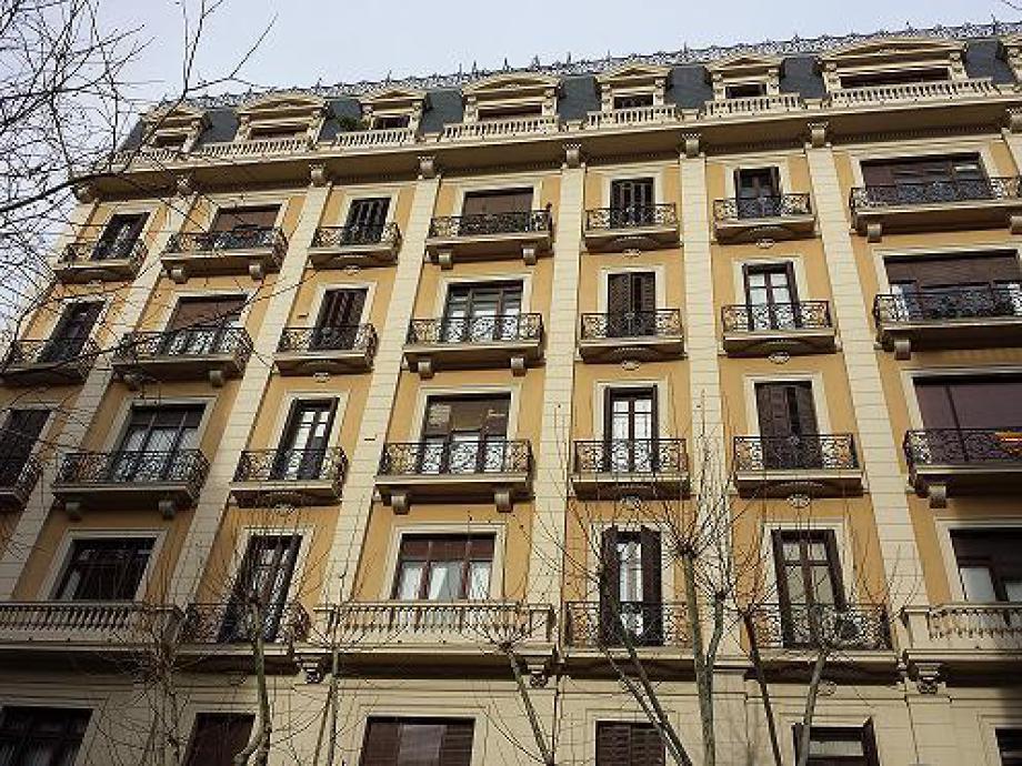 Rehabilitación de fachada en Barcelona, C/ Numancia 56.